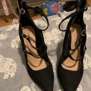 Pointed toe heels